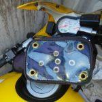 バイクにスマホを取り付けるスマホケース スマホホルダーの答えセパハンにも楽にポン付け