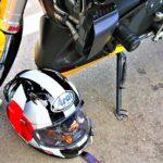 ツーリング休憩中のヘルメットの置き方の答え(推奨)