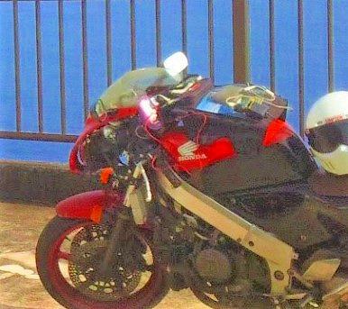 バイクにつけたシガーソケット