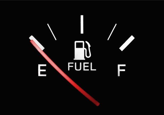 空のガソリンメーター