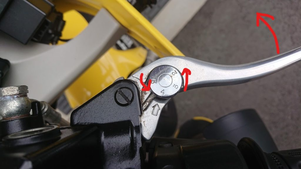 ブレーキレバーにダイヤルがついていれば調整は簡単