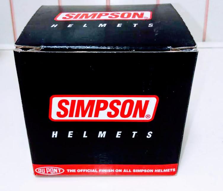 シンプソンヘルメットの箱